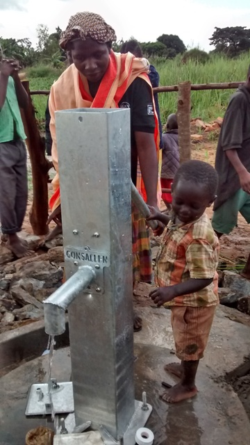 The Water Project : uganda688-15-completed-well