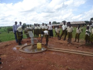 The Water Project : uganda695-07-completed-well