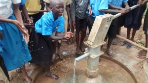The Water Project : uganda696-14-clean-water