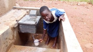 The Water Project : kenya4325-11-clean-water