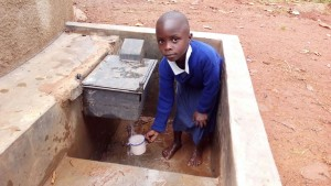 The Water Project : kenya4325-12-clean-water