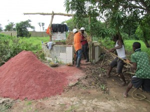 The Water Project : sierraleone5067-38-cleaning-out
