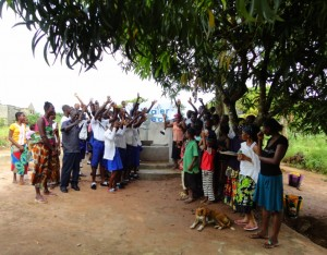 The Water Project : sierraleone5067-59-celebration