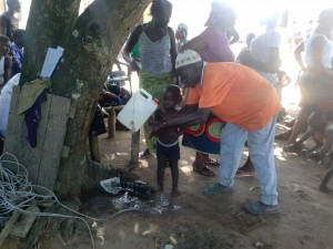 The Water Project : sierraleone5068-14-washing-hands