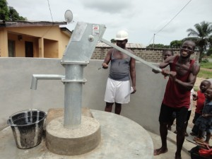 The Water Project : sierraleone5068-32-flowing-water