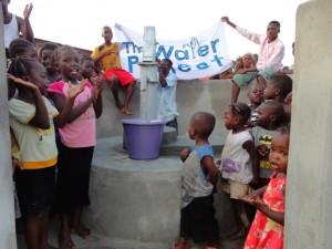 The Water Project : sierraleone5068-35-dedication