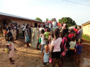 The Water Project : sierraleone5068-37-dedication