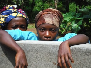 The Water Project : sierraleone5074-35-hey-there
