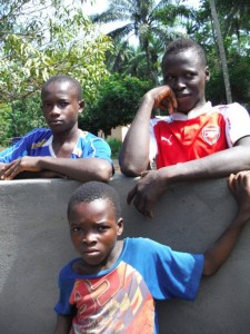 The Water Project : sierraleone5074-36-well-dedication
