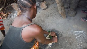 The Water Project : sierraleone5074-46-groundnuts