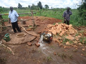 The Water Project : uganda6062-08-construction