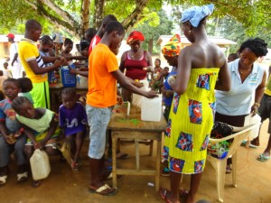 The Water Project : sierraleone5075-12-hygiene-training