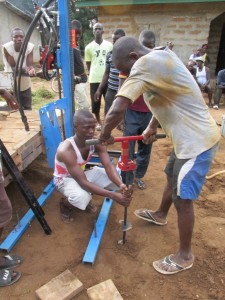 The Water Project : sierraleone5075-26-drilling