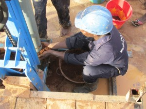The Water Project : sierraleone5075-29-drilling