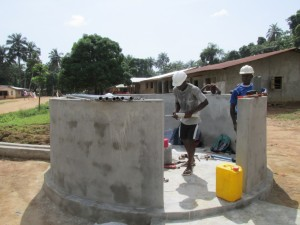 The Water Project : sierraleone5075-48-pump-installation