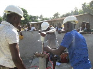 The Water Project : sierraleone5075-52-pump-installation