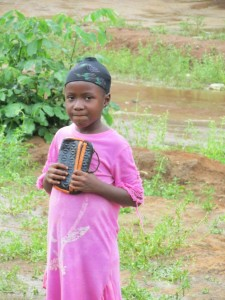 The Water Project : sierraleone5073-18-girl