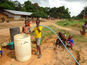 The Water Project : sierraleone5073-28-pump