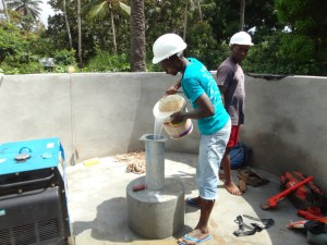 The Water Project : sierraleone5073-29-installation