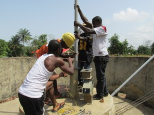 The Water Project : sierraleone5078-02-repairing