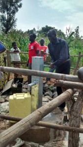 The Water Project : uganda6063-11-completed-well