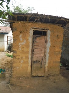 The Water Project : 16-sierraleone5096-latrine