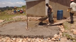 The Water Project : 18-kenya4595-construction