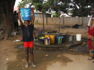 The Water Project : 18-sierraleone5096-open-well