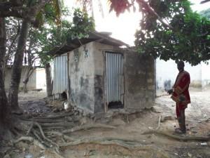 The Water Project : 9-sierraleone5096-latrine