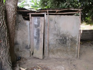 The Water Project : 13-sierraleone5081-latrine