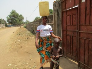 The Water Project : 15-sierraleone5081-carrying-water
