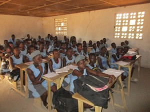 The Water Project : 17-sierraleone5083-students