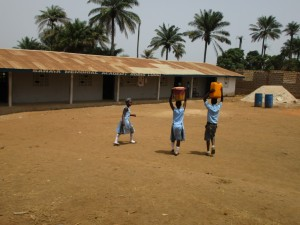The Water Project : 6-sierraleone5083-fetching-water