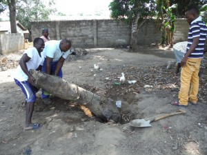 The Water Project : 22-sierraleone5096-clearing