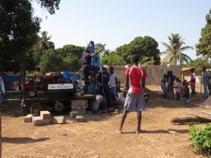 The Water Project : 28-sierraleone5079-drilling-and-construction