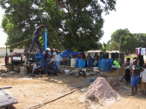 The Water Project : 29-sierraleone5079-drilling-and-construction