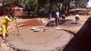 The Water Project : 3-kenya4600-construction