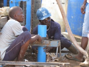 The Water Project : 31-sierraleone5079-drilling-and-construction