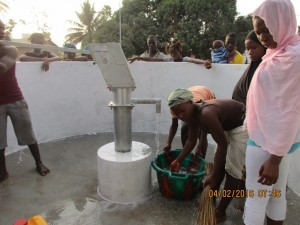 The Water Project : 38-sierraleone5079-clean-water