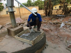 The Water Project : 12-sierraleone5097-construction