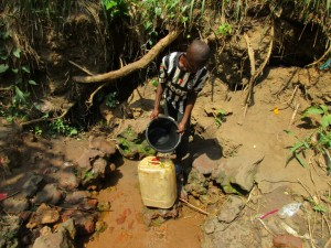 The Water Project : 1-sierraleone5086-fetching-water