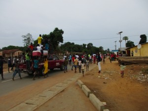 The Water Project : 1-sierraleone5087-overcrowded-street