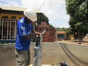 The Water Project : 13-sierraleone5098-construction