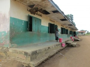 The Water Project : 13-sierraleone5099-school-grounds