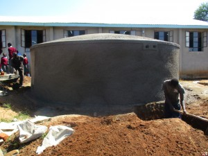 The Water Project : 15-kenya4608-construction