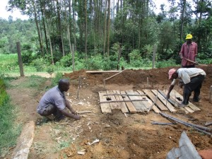 The Water Project : 16-kenya4604-construction
