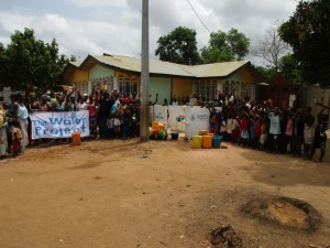 The Water Project : 16-sierraleone5098-handing-over