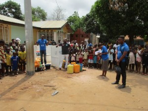 The Water Project : 17-sierraleone5098-handing-over