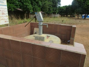 The Water Project : 17-sierraleone5099-broken-well