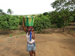 The Water Project : 2-sierraleone5085-current-source